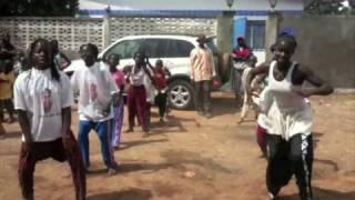 Le Dounoumba au féminin chez Dr Morissanda KOUYATE à Kouroussa en Guinée