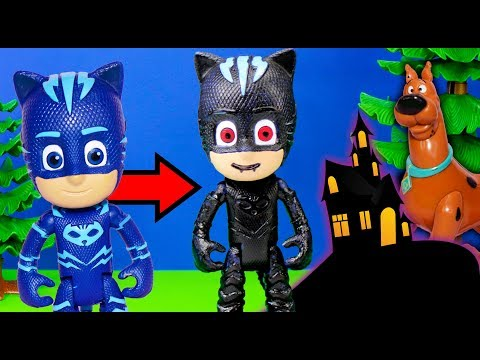 Spooky PJ Masks turns into Regular PJ Mask in the Scooby Doo Mystery Mansion