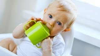 When Baby Should Start to Use Sippy Cup | Baby Development
