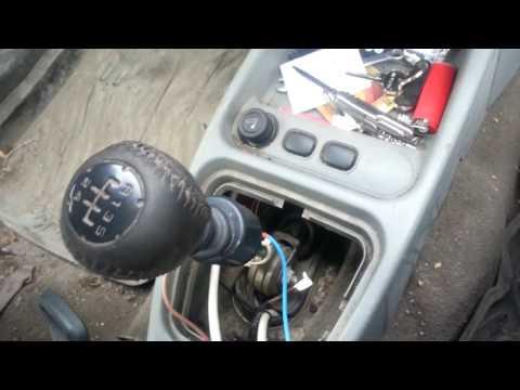 Выключатель и соленоид коробки передач задней скорости Лада Калина.