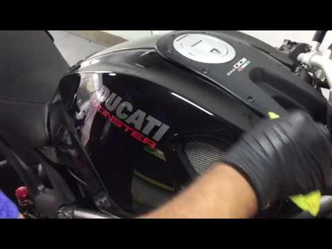 ECO-Solutions: Aplicación Cerámico en Tanque Ducati Monster