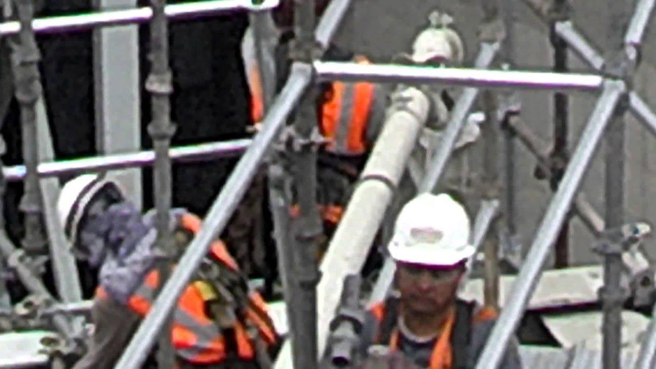 aqu iacute con la banda de la brand tumbando un scaffold aquiacute con la banda de la brand tumbando un scaffold