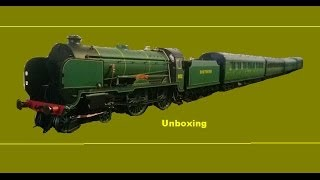 Unboxing the Schools Class from Hornby
