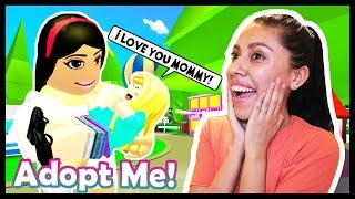 ADOPTING MY FIRST BABY! - ROBLOX - ADOPT ME!