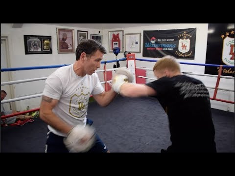 EXPLOSIVE!! HIGHLY RATED SCOTTISH STAR STEPHEN TIFFNEY SMASHES THE PADS @ LOCHEND ABC