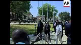 WRAP 4:3 Al-Bashir visits South Sudan ahead of vote, Kiir, al-Bashir sots
