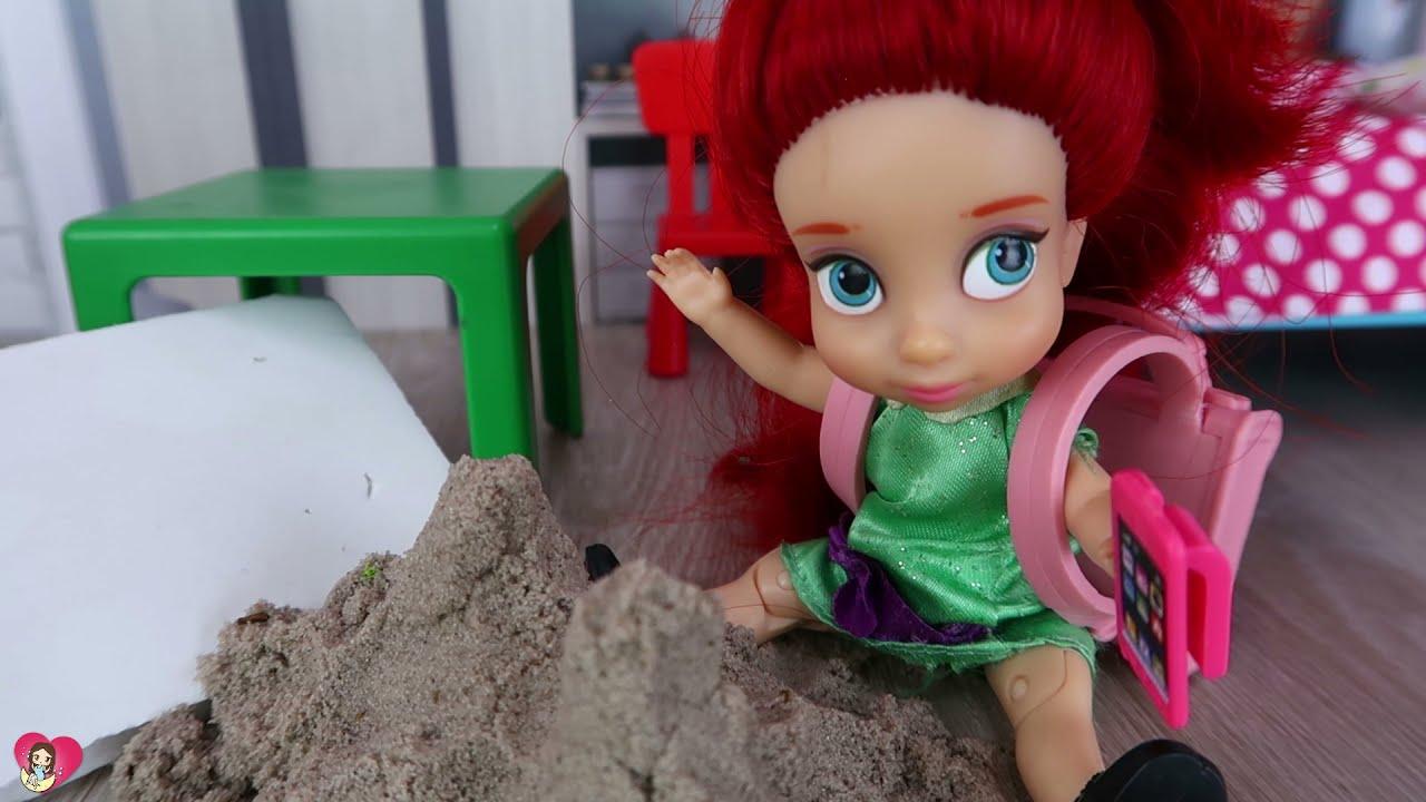 Las Junior empiezan el cole sacando un 0 en el examen | Princesas de Disney
