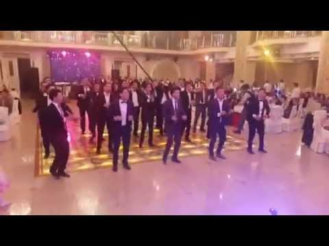 Cha cha dance in Uzbek wedding