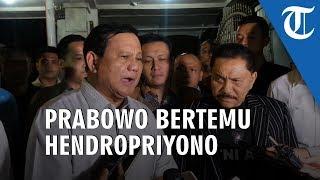 Berkunjung ke Rumah Hendropriyono, Prabowo Makan Nasi Mande