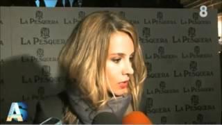 Menudo lío de Alejandra Silva, novia de Richard Gere, explicando su labor con los sintecho