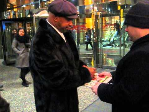 Mike Rozier signs autographs for The SI KING 12-15-13