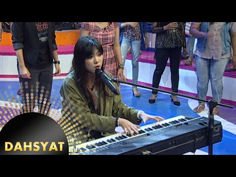 Si cantik bersuara merdu Isyana Sarasvati 'Keep Being You' [Dahsyat] [11 Nov 2015]