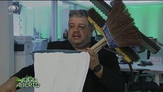 Héverton entrega kit para Ronaldo lavar Arena Corinthians
