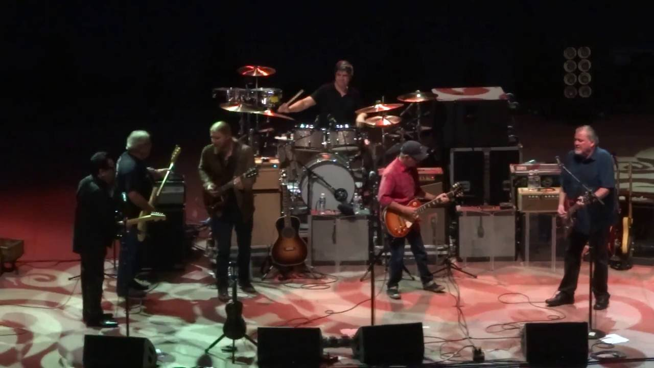 Los Lobos w/ Derek Trucks & Susan Tedeschi @ Red Rocks, Bertha into ...