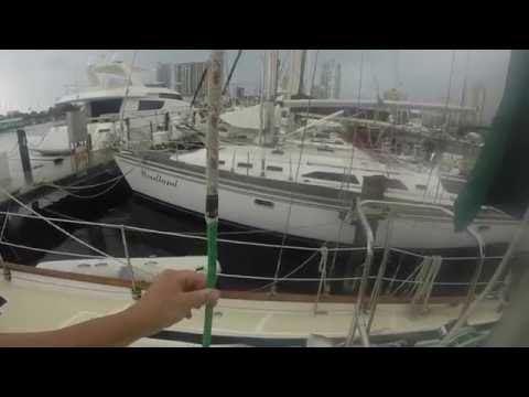 "Sailing Oceanghost ""How-to video"". Installing a Halyard."