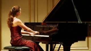 Luisa Splett plays Robert Schumann: Romanze op. 28 Nr. 2
