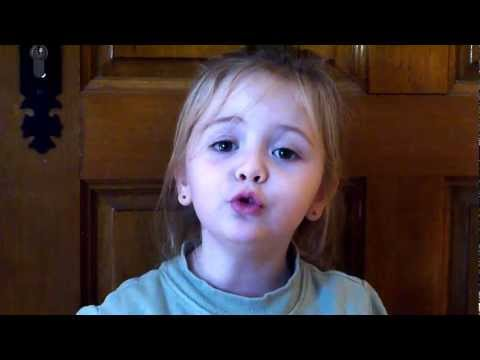 Gaëlle 3 ans chante