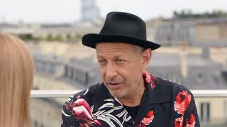Actor and jazz musician Jeff Goldblum serenades FRANCE 24 on the Champs-Élysées