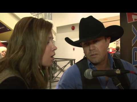 Aaron Pritchett and Ray Gibson debut a brand new Christmas song live on country 107.1