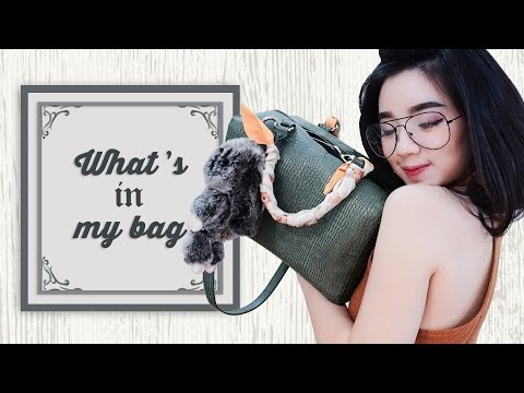 WHAT'S IN MY BAG (bahasa indonesia) || THE YOLANDA