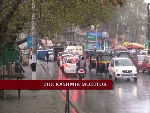 Rain lashes Kashmir, more wet weather predicted