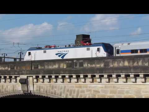 Amtrak #669 Pushes SEPTA Leased MARC Trainset Over Schuylkill  Viaduct