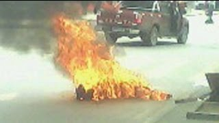 Repeat youtube video Tibetans burn themselves to death in anti-China protest - Truthloader