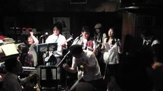 Beatlesのコピーバンド「GLOVE LOVE(グローヴラブ)」 2011年10月8日(土)...