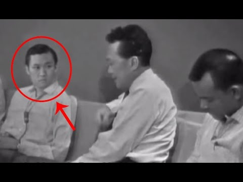 I looked carefully at the Lee Kuan Yew crying video from 1965 and I can't believe what I saw