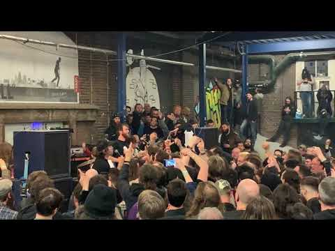 """THOU With Nate Newton Covering MISFITS' """"Hybrid Moments"""" 