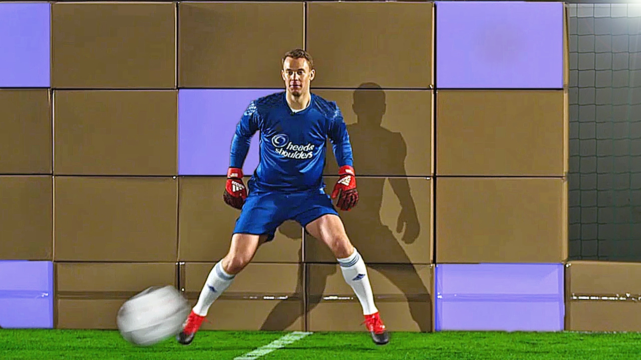 freekickerz vs Manuel Neuer Ultimate Football Challenges