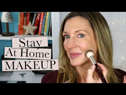 stay-at-home-makeup-+-chat