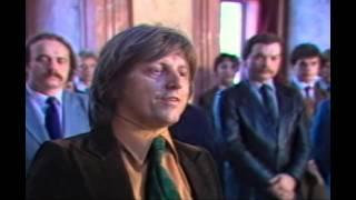 Socialistické celebrity jdou k soudruhům pro pochvalu (1985)