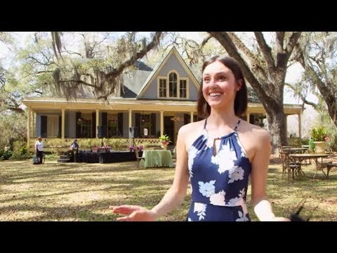 Poppy Drayton Of The Little Mermaid Actually Swam With Mermaids In Florida | Southern Living