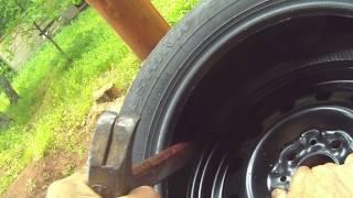 Шиномонтаж автомобильного  нового колеса.(, 2015-07-07T18:10:28.000Z)