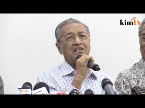 Dr M: Adakah Riza Aziz anak tiri Agong?