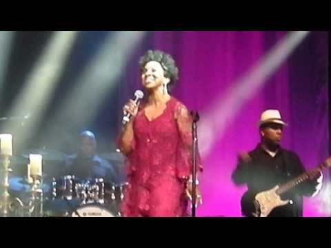 Gladys Knight Neither One Of Us Leeds Arena 5th July 2016