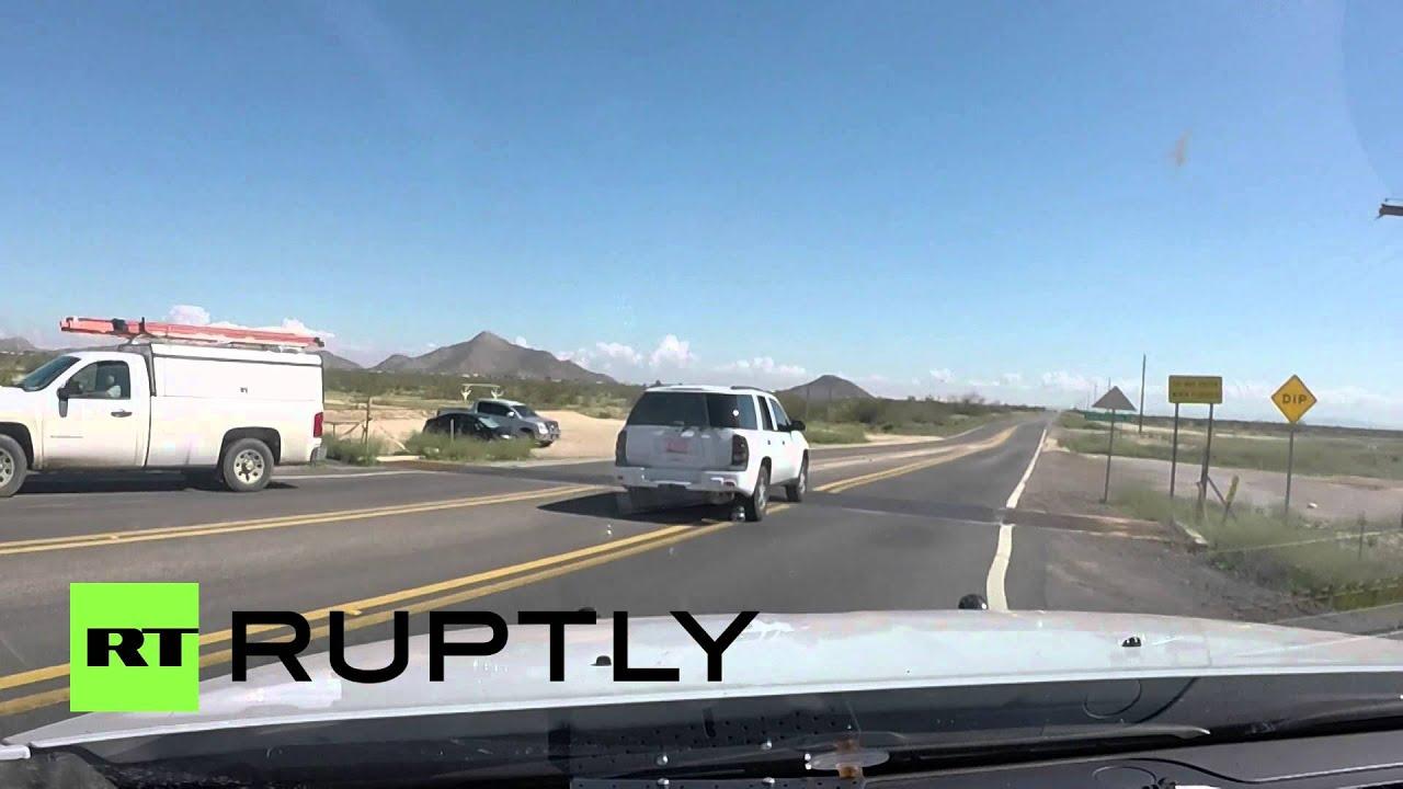 В ходе погони преступники забросали полицейский автомобиль марихуаной