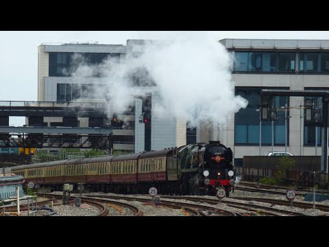 'THE WELSH MARCHES EXPRESS' SR Rebuilt Light Pacific 4-6-2 no 34052 'Lord Dowding'