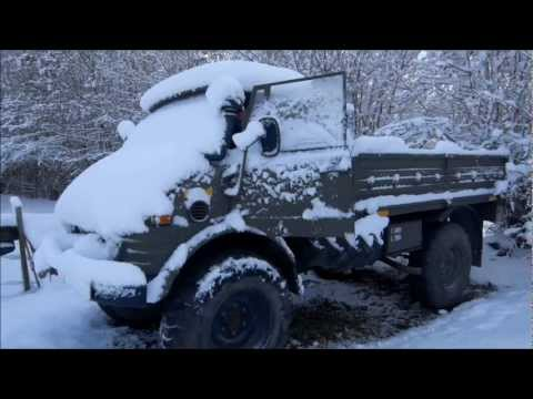 Unimog 416 Cold Start, and some snow driving.