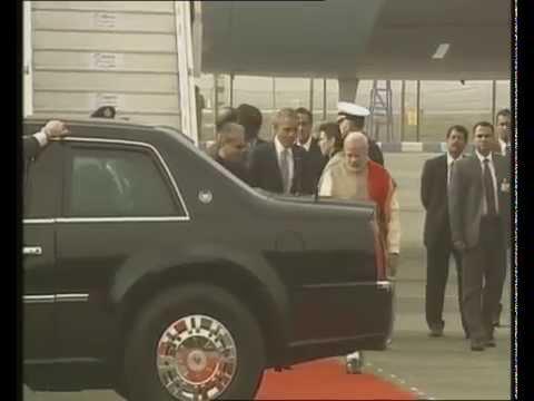 PM Narendra Modi welcomes US President Barack Obama at airport