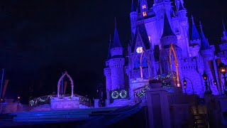 A Frozen Holiday Wish - show 2018