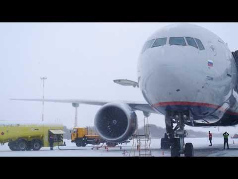 Boeing 777-300ER  КАМЧАТКА взлет АЕ 1731 в пургу аэропорт Елизово 24.11.2019 4k