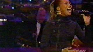Video YOLANDA ADAMS LIVE - STILL I RISE download MP3, 3GP, MP4, WEBM, AVI, FLV Desember 2017