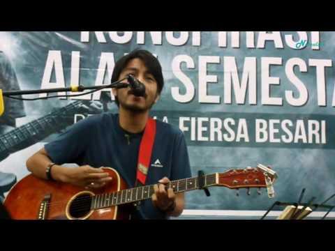 Fiersa Besari - Sepasang Pendaki (Live at Gramedia Pandanaran, Semarang)