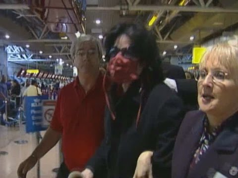 Michael Jackson arrives at Heathrow airport   june 14, 2002