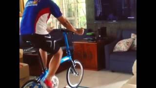 Смотреть любимый сериал дома или пойти покататься на велосипеде?