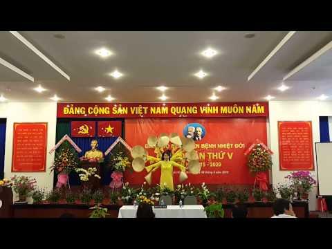 Việt nam quê hương tôi múa nón lá