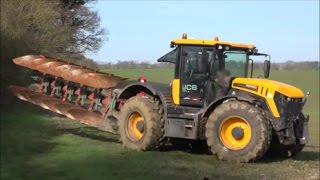 JCB 4220 Ploughing with 6 Furrow Kverneland