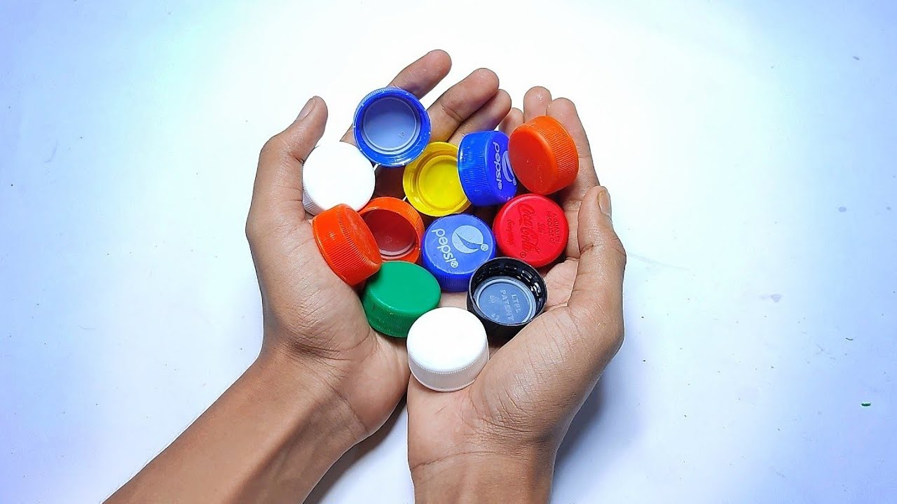 3 very simple toys with bottle caps |
